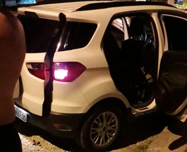 Homem é preso carregando corpos mutilados em veículo