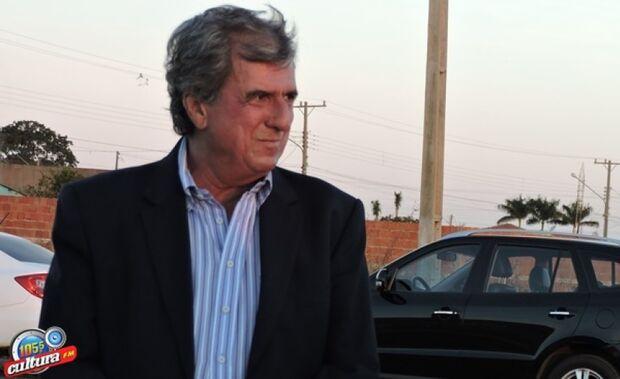 Ministério Público pede afastamento de prefeito após provas de servidores fraudando concurso