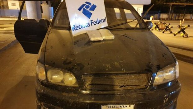 Bolivianos são presos tentando entrar no Brasil com cocaína