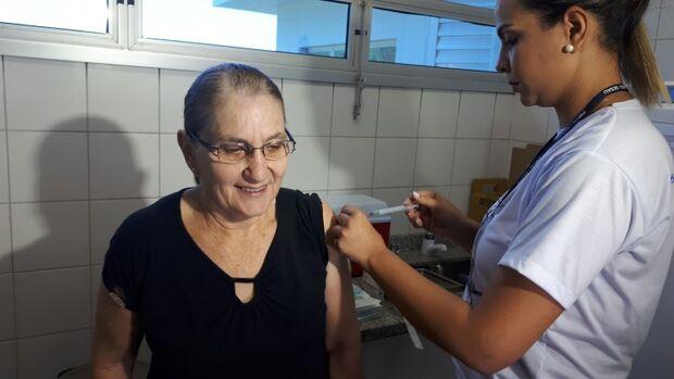 Quem tomou, tomou, quem não tomou, não toma mais: vacina contra gripe não terá reposição