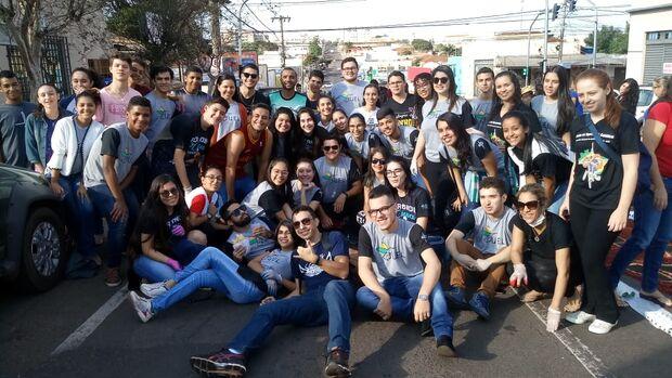 Corpus Christi: grupo de voluntários transmite exemplos de fé de geração em geração