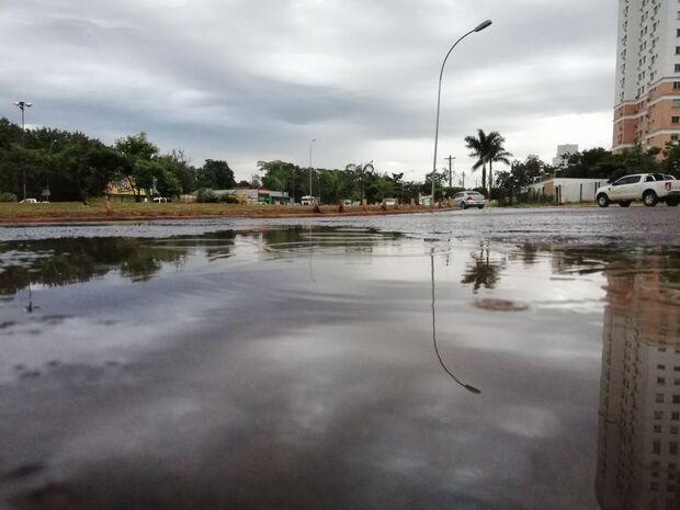 Apesar de chuva forte, Campo Grande amanhece sem estragos