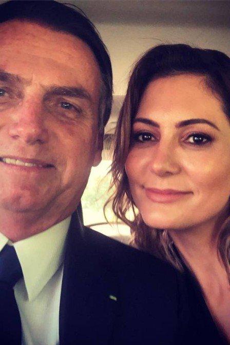 Michelle e Jair Bolsonaro relembram quando se conheceram: 'queríamos dividir uma vida'