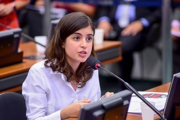 PDT ameaça expulsar Tabata Amaral caso a deputada vote a favor da Reforma da Previdência