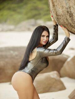 Solange Gomes diz que fez sexo a três com apresentador da TV Globo e o irmão dele