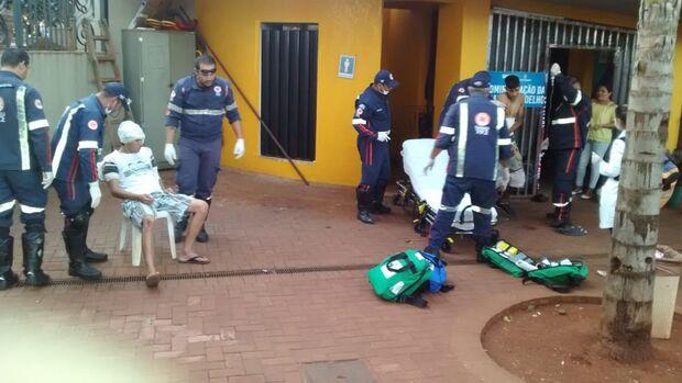 Repórter Top: confusão entre usuários de drogas deixa dois esfaqueados na praça Ary Coelho