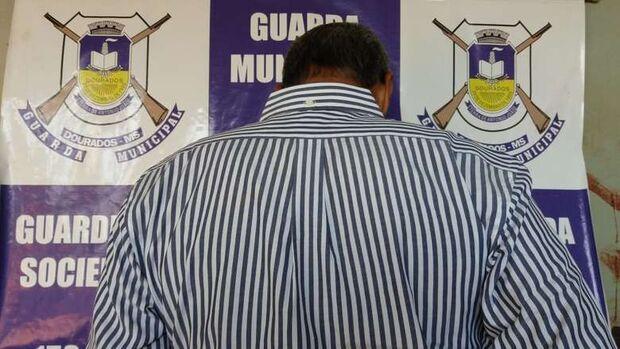 Homem é preso tentando furtar envelope com R$ 3,8 mil de cliente de banco