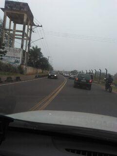 Trânsito na Avenida Cafezais é caótico e acidentes são comuns, denunciam motoristas