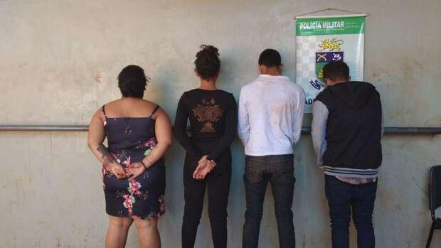 Grupo é preso com carros roubados que seriam levados até o Paraguai
