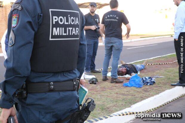 Homem é executado com tiros na cabeça no meio de avenida movimentada de Campo Grande