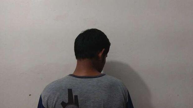 Rapaz é preso furtando carro enquanto dona estava na manicure