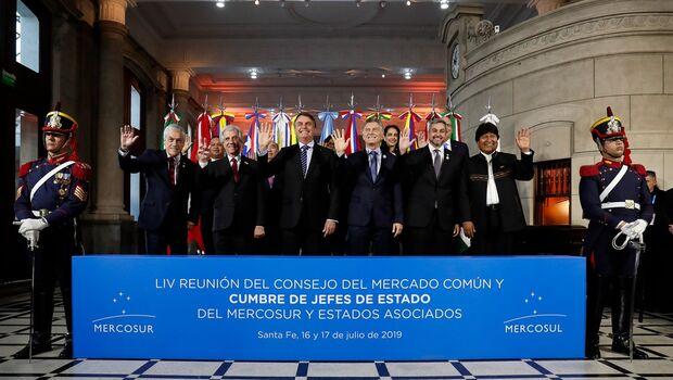 Governo deve anunciar detalhes sobre saques do FGTS esta semana, diz Bolsonaro na Argentina