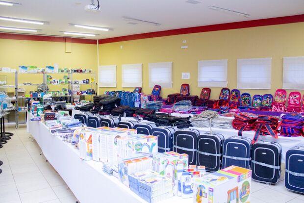 Produtos novos doados pela Receita Federal são vendidos em bazar na AACC/MS