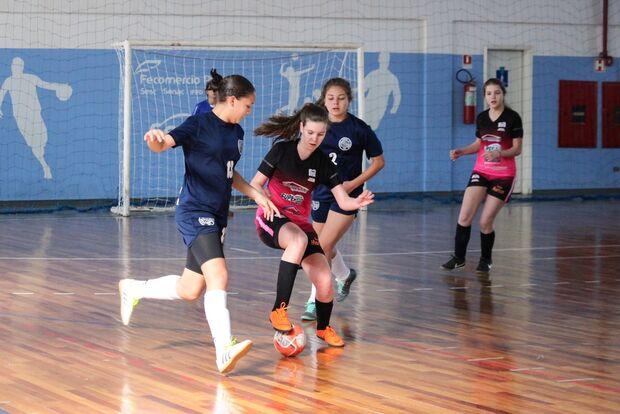 Amigas promovem torneio feminino de futsal solidário em Campo Grande