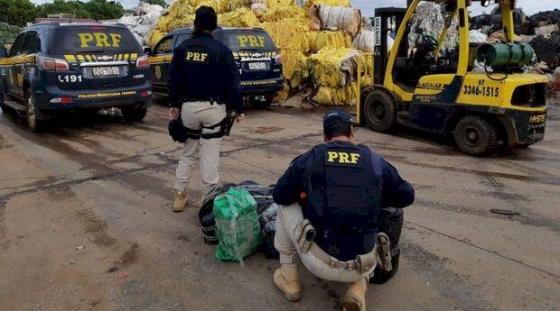Pra reciclar o nariz: caminhão com sucata é apreendido com 137 kg de cocaína
