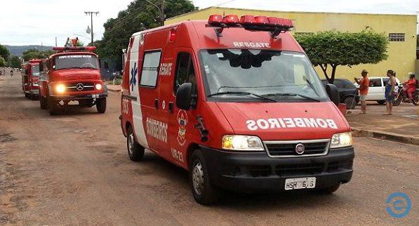 BOA AÇÃO: Bombeiros de Coxim entregam donativos e levam proteção contra o frio para moradores
