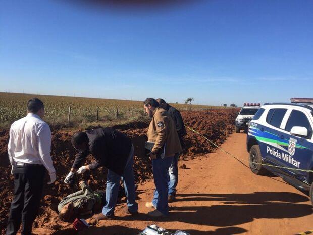 Jovem encontrado morto a tiros em estrada da fronteira tinha passagens por roubo