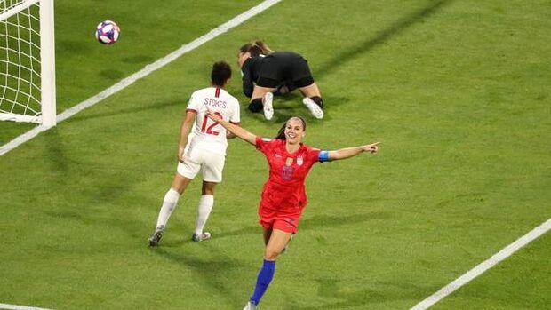 EUA batem a Inglaterra e avançam à final do Mundial