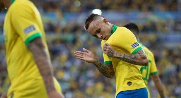 """""""Foi o destino. Se o Neymar estivesse na Seleção, eu não jogaria"""", diz Éverton Cebolinha"""