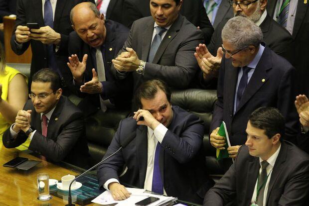 Seis deputados de MS votaram a favor da reforma da Previdência
