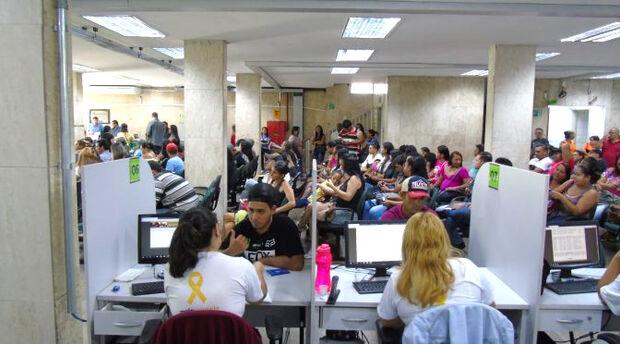 Procurando emprego? Funtrab oferece 469 vagas para todo MS