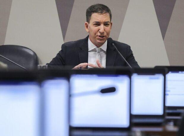 Ao Senado, Glenn explica vazamentos e critica Sérgio Moro em audiência esvaziada