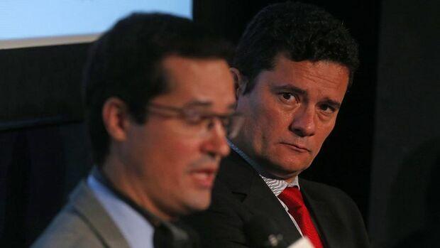 Vazamento do Intercept mostra Dallagnol com dúvidas se Moro iria investigar Flávio Bolsonaro