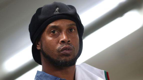 Ronaldinho acumula mais de R$ 17 milhões em dívidas e tem 57 imóveis bloqueados