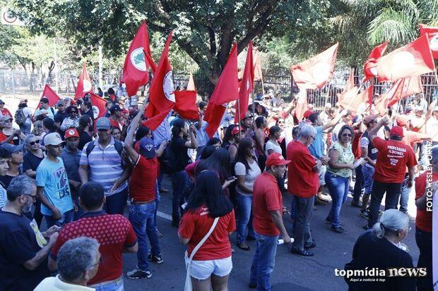 Dinheiro público banca o movimento Lula Livre