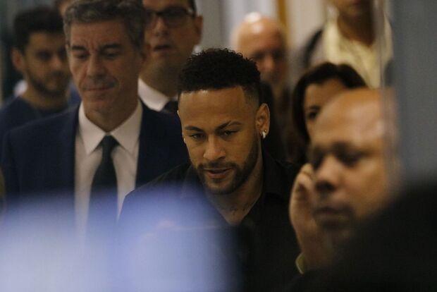 Flamengo tem possibilidade de contratar Neymar, afirma canal de TV