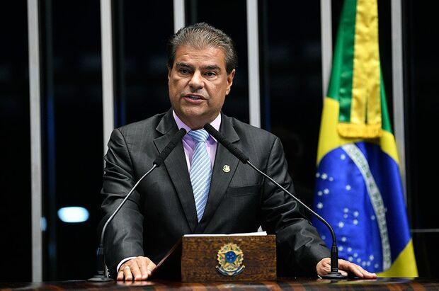 Nelsinho diz apoiar filho de Bolsonaro para chefiar embaixada nos EUA