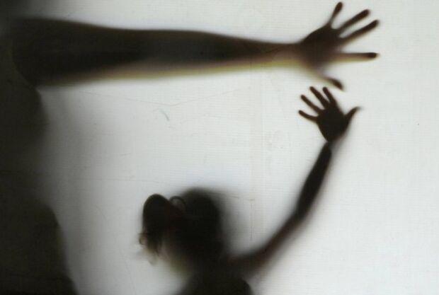 Criança entra em trabalho de parto em escola; pai é suspeito de estupro