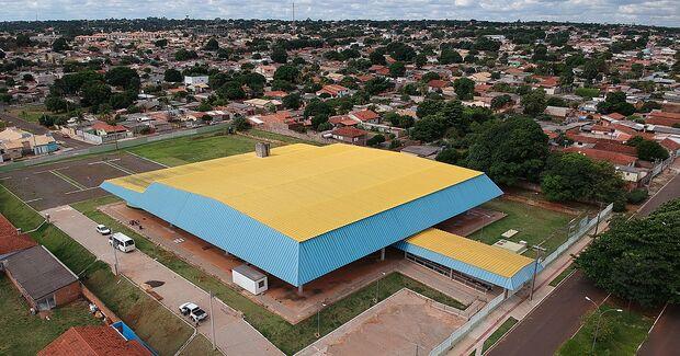 Após décadas de abandono, governo MS entrega centro poliesportivo da Vila Almeida
