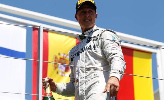 Michael Schumacher melhora e vê a Fórmula 1 pela televisão