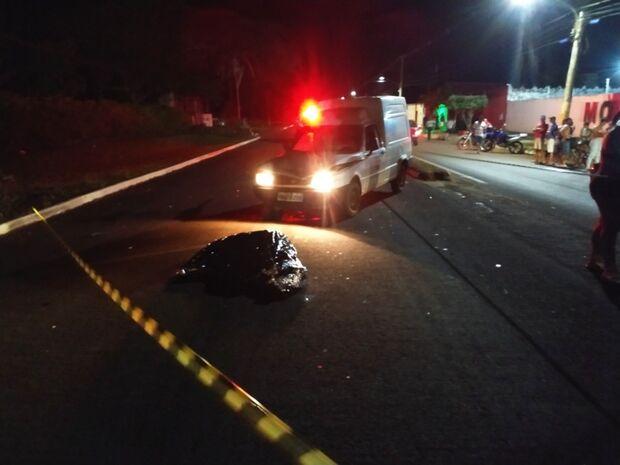 Mulher morre atropelada por Fiorino em prolongamento de avenida