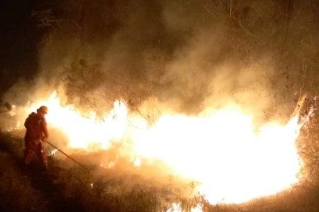 Bolsonaro volta a dizer que ONGs podem estar por trás de queimadas