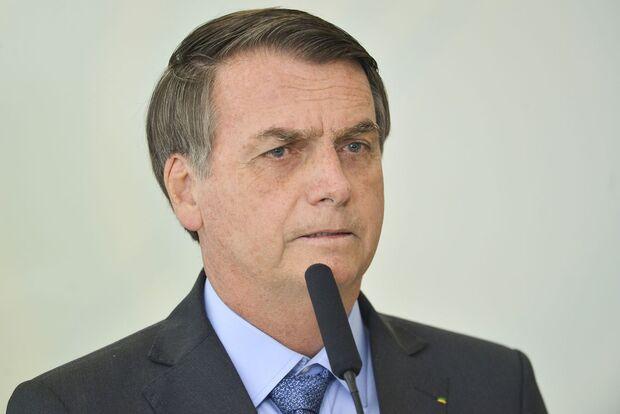 Bolsonaro fará pronunciamento oficial sobre incêndios na Amazônia