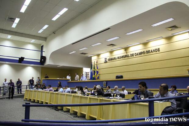 Vereadores participam do lançamento do calendário de aniversário de 120 anos da Capital