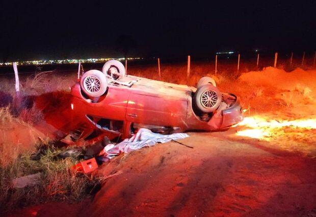 Condutor morre depois de capotar veículo em estrada vicinal