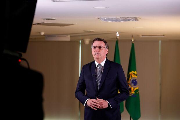 Na TV, Bolsonaro fala em 'tolerância zero' contra crimes ambientais