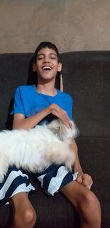 VÍDEO: menino com paralisia espera todos os dias no portão pelo retorno de cachorra desaparecida