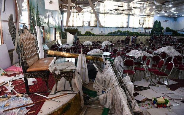 Explosão em festa de casamento mata 63