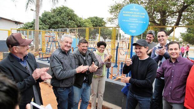 Sonho antigo, moradores do Jockey Club comemoram academia ao ar livre
