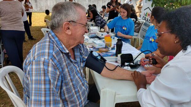 Ação em saúde na UBS Santa Carmélia reúne comunidade e entrega certificado unidade nota 10