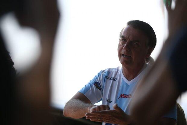 """""""Amazônia não está pegando fogo como dizem por aí"""", afirma Bolsonaro"""