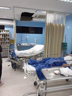 Lutador usa sangue para se soltar de algema, quebra hospital e foge