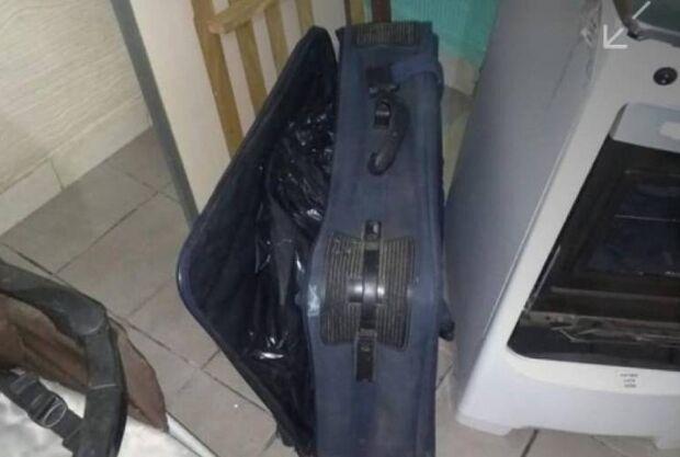 Mãe mata filha de 2 anos e esconde corpo em mala