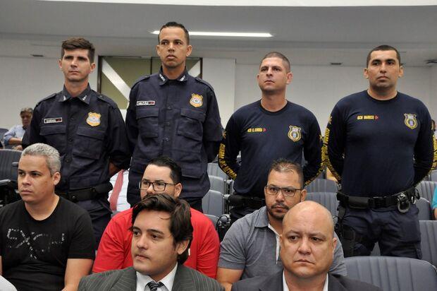 Em dia de polêmica com a PM, Guardas que prenderam estuprador são homenageados