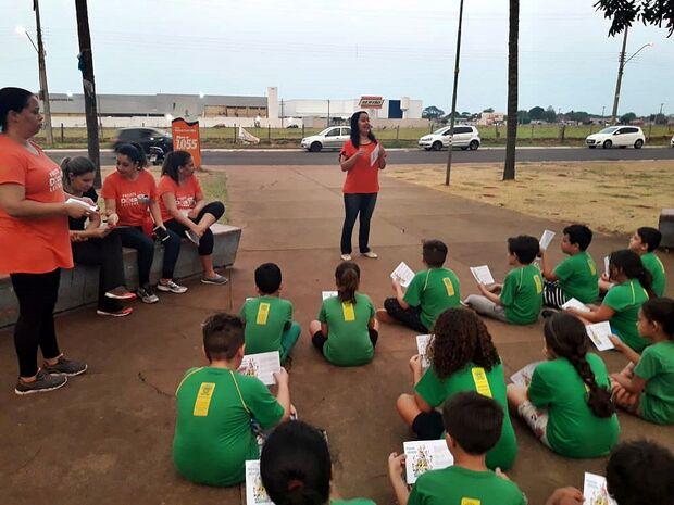 Projeto ensina alimentação saudável na escola e leva 'vigilância' para casa de estudantes