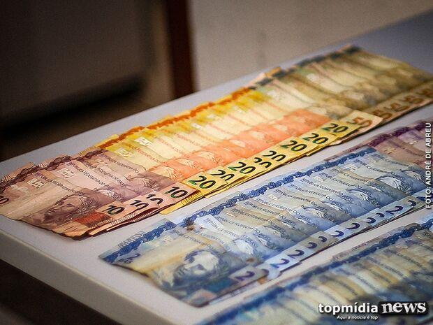 Idosa é vítima de sequestro relâmpago e forçada a entregar mais de R$ 1 mil para criminosos